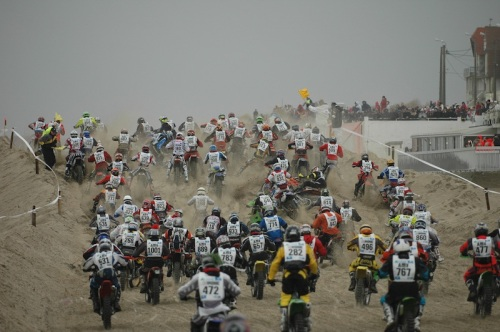 Le Touquet Enduropale traffic jam on the first hill
