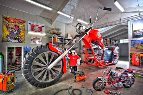 Fabio-Reggiani-Tallest-Rideable-Motorcycle-2