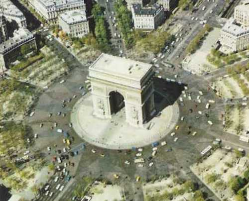 Paris Arc de Triomphe roundabout with 11 roads